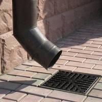 Дожди размывают участок? Постройте ливневую канализацию!