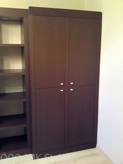Двустворчатые двери шкафа