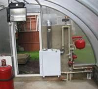 Как построить теплицу с отоплением без особых затрат