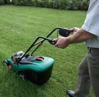 Как правильно косить газон газонокосилкой?