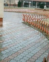 Укладка тротуарной плитки в Чехове: расценки не смутят