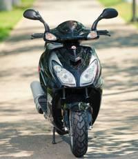Yiben — популярная марка мотоциклов и скутеров