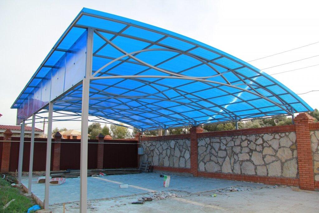 Металлические навесы с поликарбонатной крышей