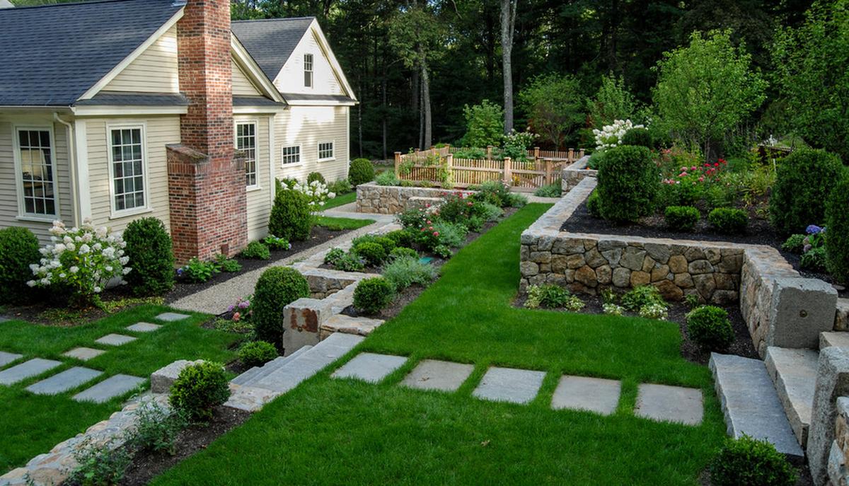 Как идеально обустроить территорию загородного дома?